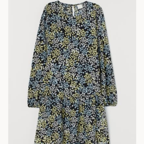 H&M Dresses & Skirts - Floral dress
